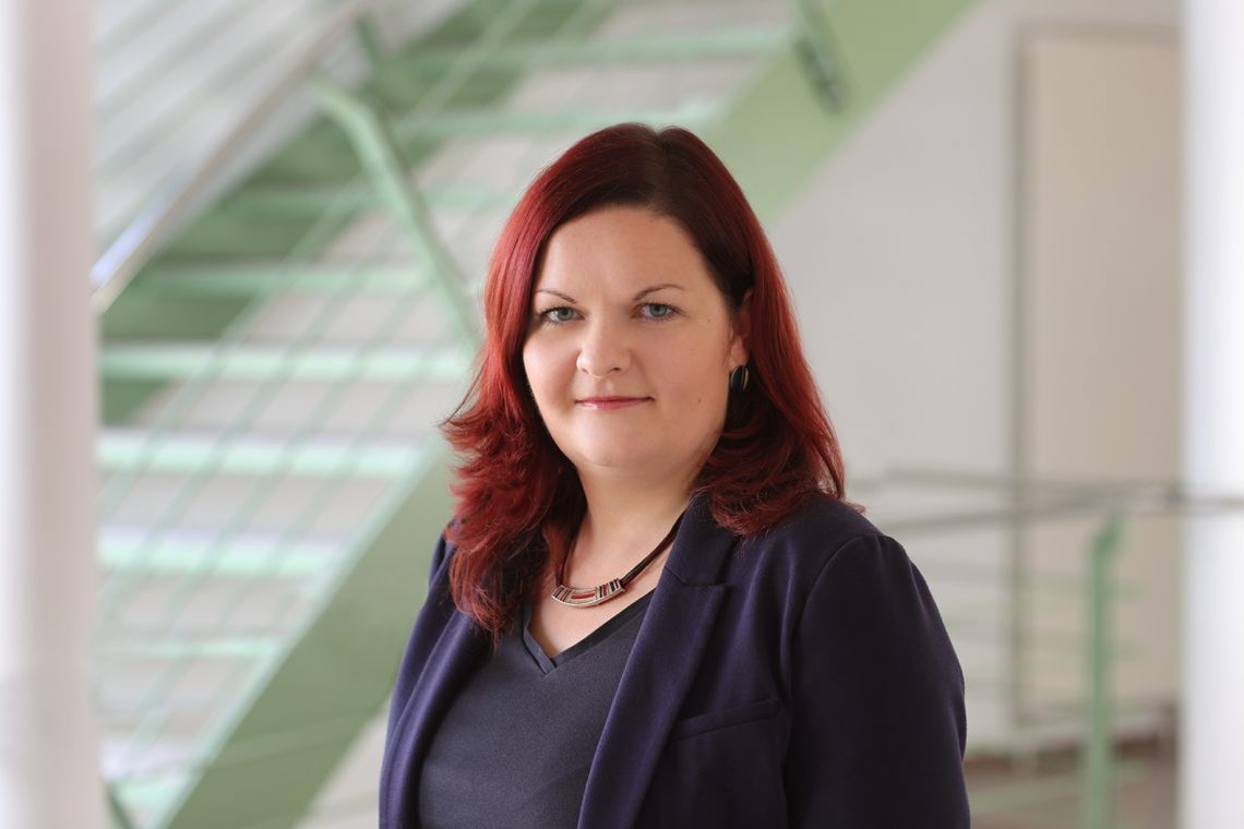 Hier sehen Sie das Foto von unserer Sachbearbeiterin im Vergabewesen, Frau Bettina Wegner