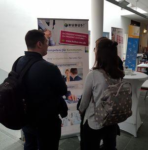 Studierende der Hochschule Stralsund zeigen großes Interesse an dem Auftritt der KUBUS.